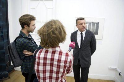 Леонид Парфёнов общается с корреспондентами телеканала «Дождь»